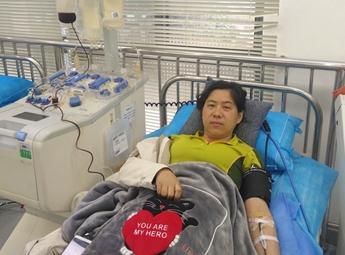正在献血的王萍萍_副本_副本.jpg