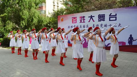 1舞蹈军中姐妹.jpg