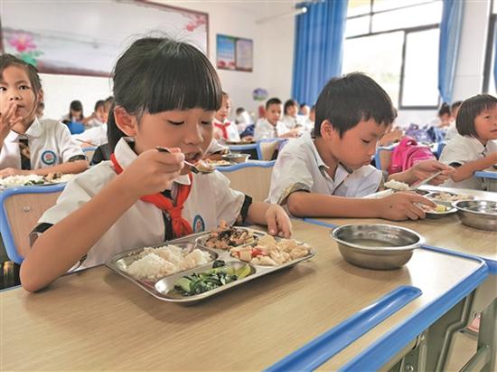 钦州市城区中小学开设午托服务
