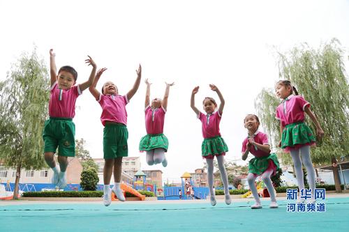 河南省温县县直幼儿园的小朋友在老师和家长的策划下拍摄了一组造型