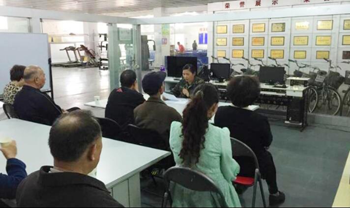 2015年4月15日乔文娟在武汉路社区道德宣讲.png
