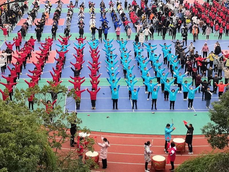 非遗舞蹈跳进大课间 鹤峰县传统文化进校园