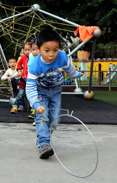 广安:加强民间体育游戏教育