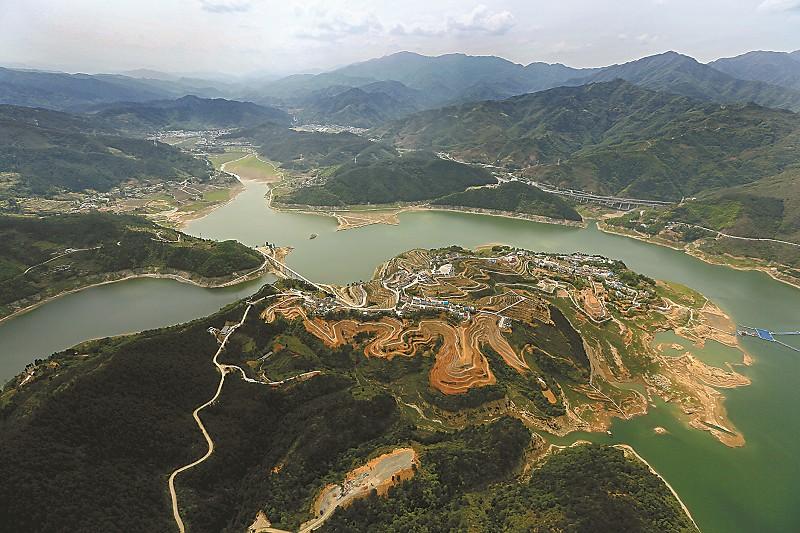 青川县沙州幸福岛现代农业示范园.