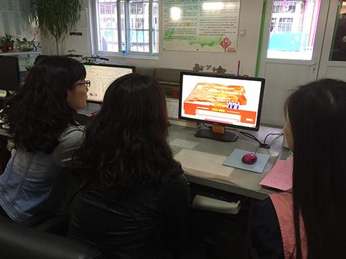 中国文明网 天津东丽 -张贵庄街组织各社区开展向国旗敬礼活动