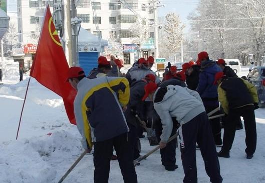 [新疆]塔城市第四中学志愿者服务街头